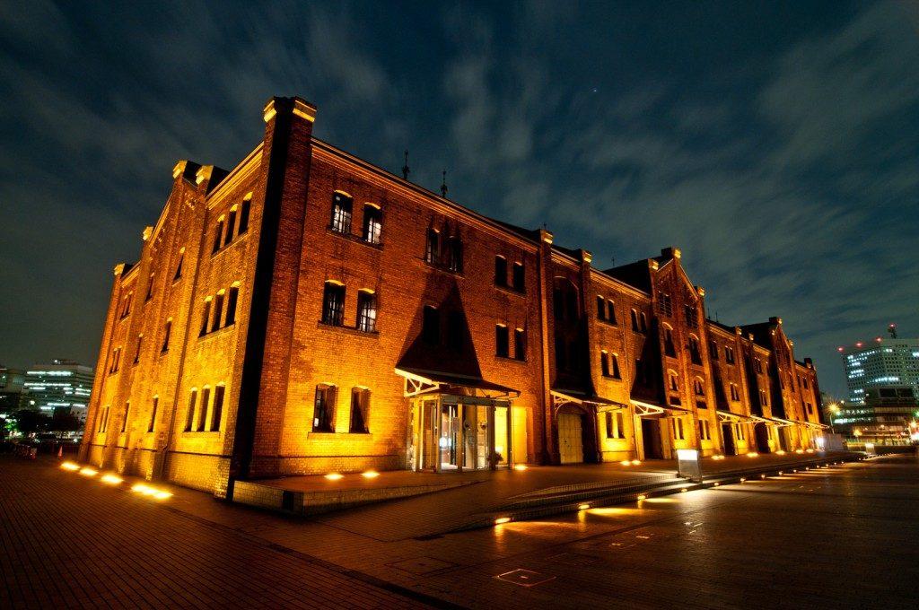 赤レンガ倉庫の夜景 百年以上受け継がれる建築物